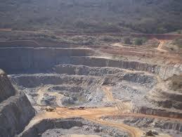 A vida no entorno da única mina de urânio da América Latina