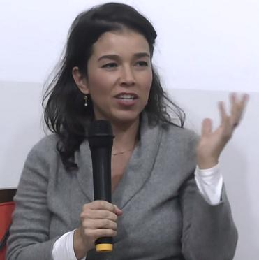 Camila critica conceito de desenvolvimento. Imagem: reprodução/vídeo