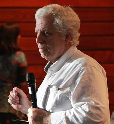 Eduardo Gudynas durante el encuentro Democracias en Disputa, realizado por la oficina andina de la Fundación Rosa Luxemburgo. Foto: Gerhard Dilger