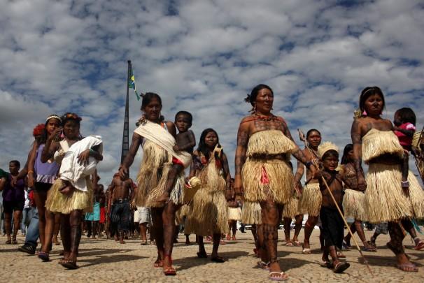 Indígenas protestam em frente ao Palácio do Planalto, em Brasília (Ruy Sposati/Repórter Brasil)