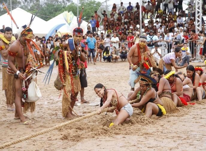 Durante Jogos dos Povos Indígenas, debate também apontou problemas políticos