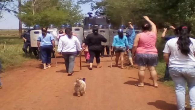 En Paraguay, 250 famílias son desalojadas para cultivo de soja