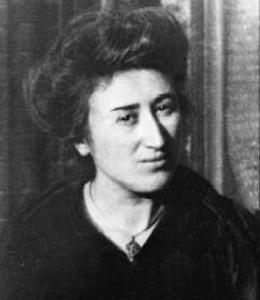 Rosa Luxemburgo: a revolução deve agir na base