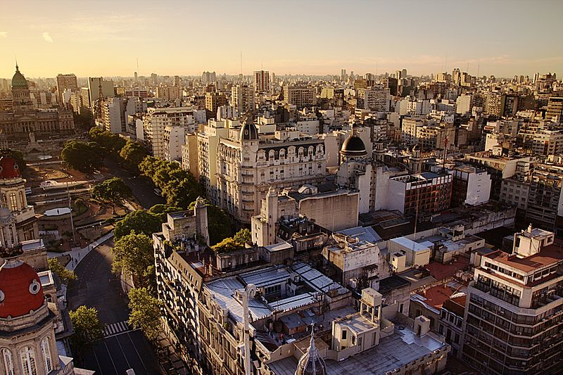 800px-Congress_Plaza,_Buenos_Aires_at_Sunset
