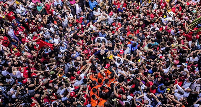 Favorit Lula von Gericht gestoppt
