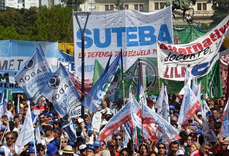 Argentiniens Gewerkschaften unter Druck